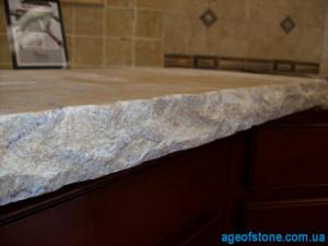 каменная столешница с рваным торцом обработка под рваный камень